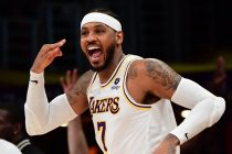 Lakers vence histórica Carmelo